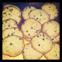Cookies nougatine et pépites de chocolat dans Desserts cookies